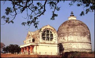 Mahaparinirvana Temple, Kusinara.